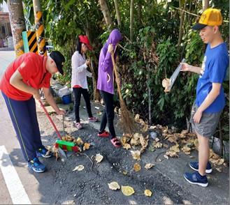 協助社區清潔活動